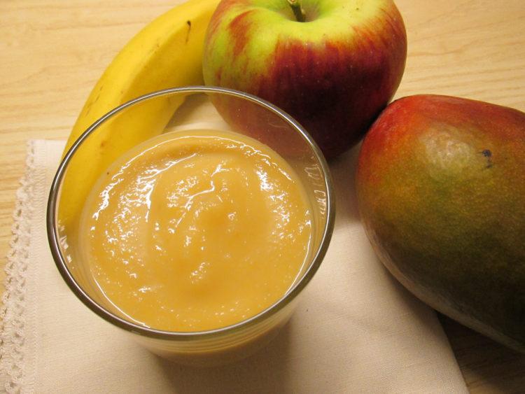 Koktajl owocowy z mango (raczkujac.pl)