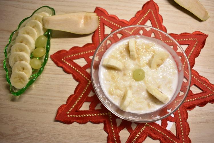 Płatki jaglane z jogurtem i owocami (raczkujac.pl)