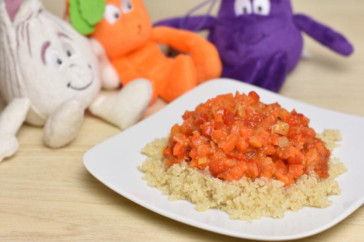 Komosa ryżowa z pieczonymi warzywami (raczkujac.pl)