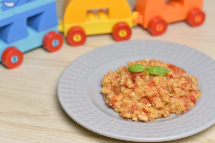 Pstrąg z kaszą bulgur w sosie pomidorowym (raczkujac.pl)