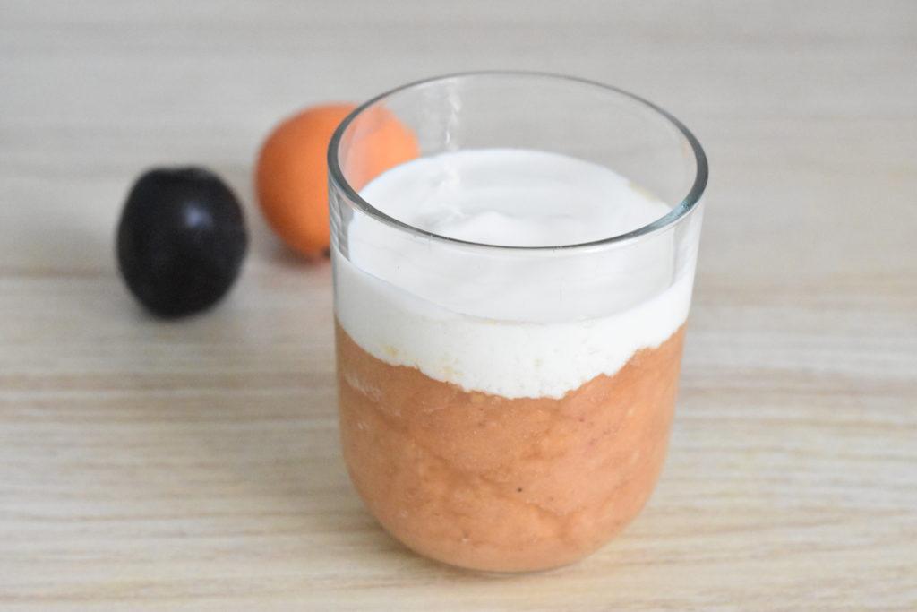 Jogurt z musem owocowym (raczkujac.pl)