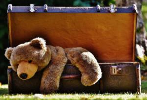 Jak bezstresowo spakować się na wyjazd z dzieckiem?